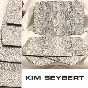 BUDLE 4 KIM SEYBERT FAUX SNAKE STAMPED PLACEMATS